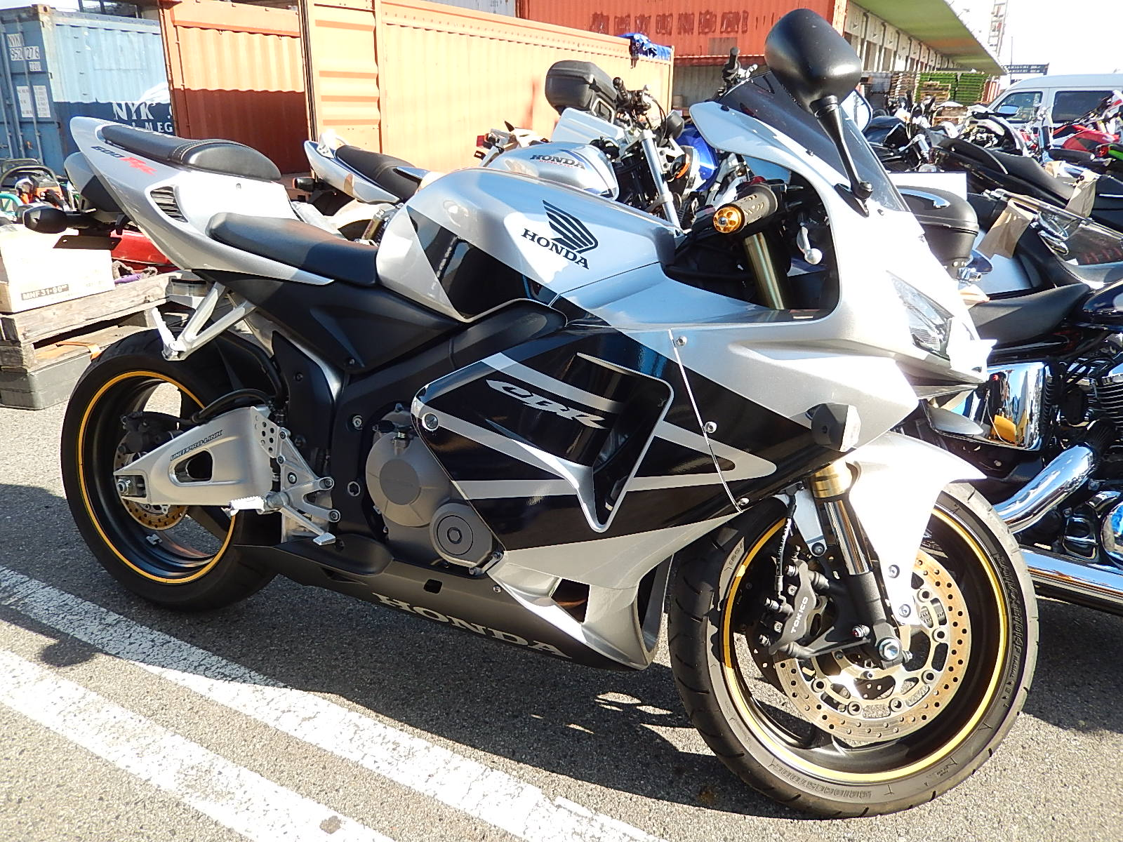 Honda Cbr600rr Honda Motocikl Kupit V Avtobest Moto